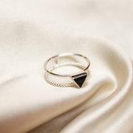 Alanna ring ▲ triangle onyx silver