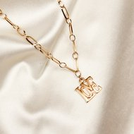 Love necklace ♡ schackle chain gold